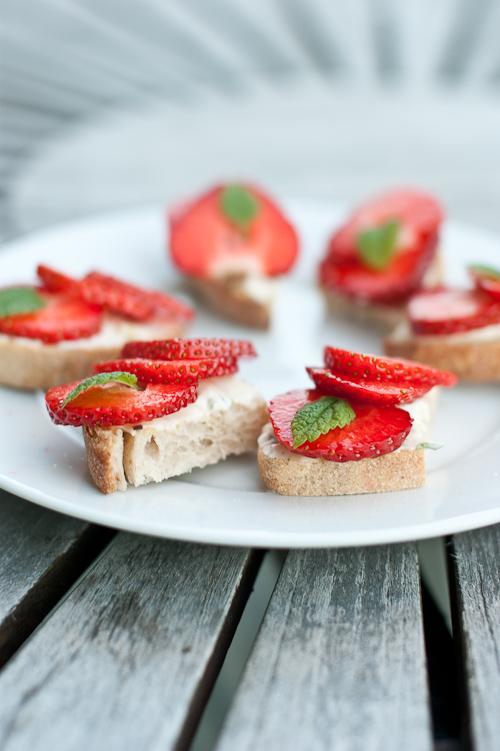 Jordbær bruschetta