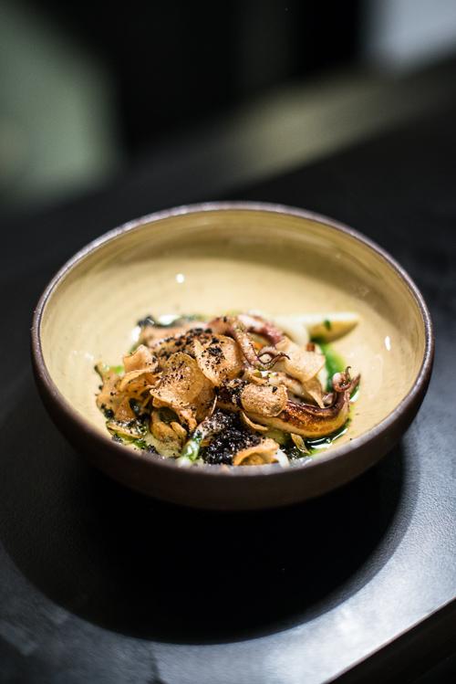 50/50 mos med grillet blæksprutte