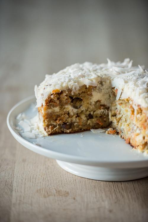 En fyldig kage med nok til 8-10 personer