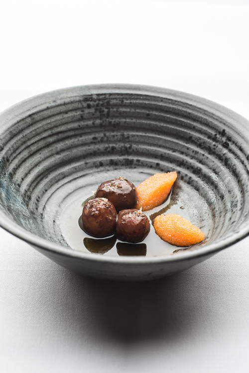 Fermenteret byg, tang, löjrom og kartofler