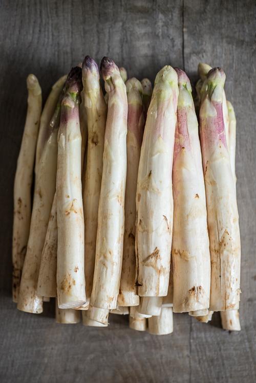 Årets første asparges fra Søren Wiuff