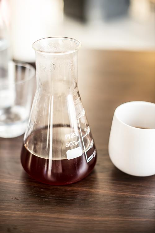 Kaffe fra Koppi serveret i Pyrex