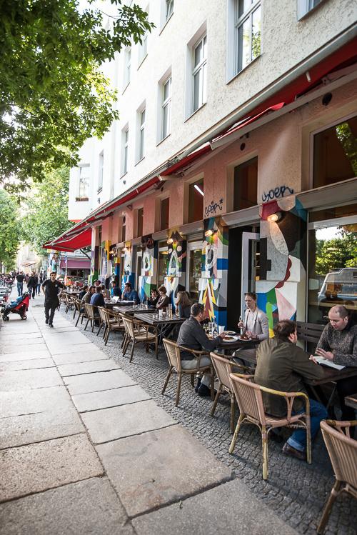 En typisk gade i Kreuzberg med masser af graffiti