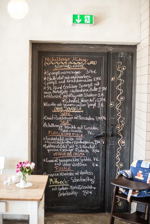 Dagens menu - populær restaurant i kvarteret