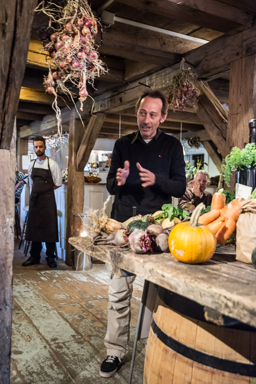 Gert fra Den Grønne Verden fortæller om sit arbejde med grøntsagerne