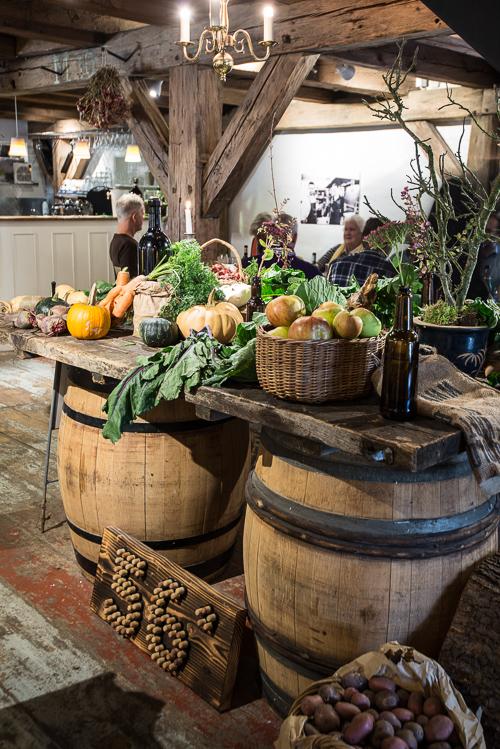 Smukke grøntsager pynter restauranten op