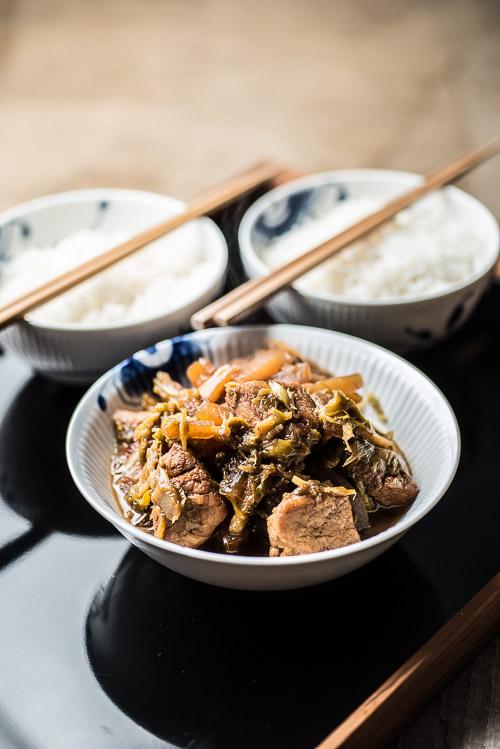Klar til sofa-dinner: ris og gris