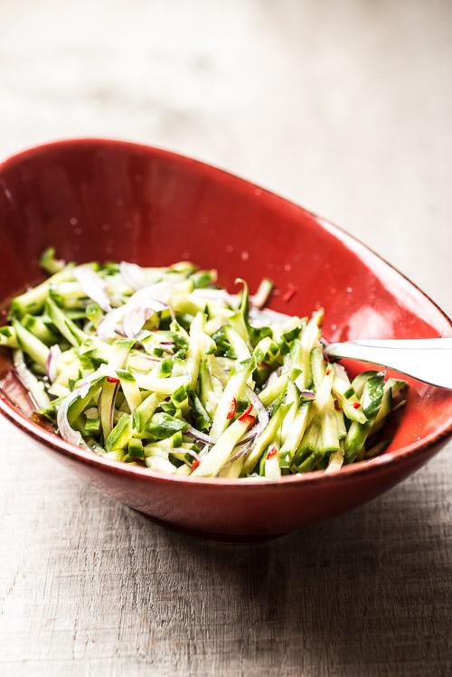 "Asiatisk agurkesalat, som man ser den i flere lande ""derude"""