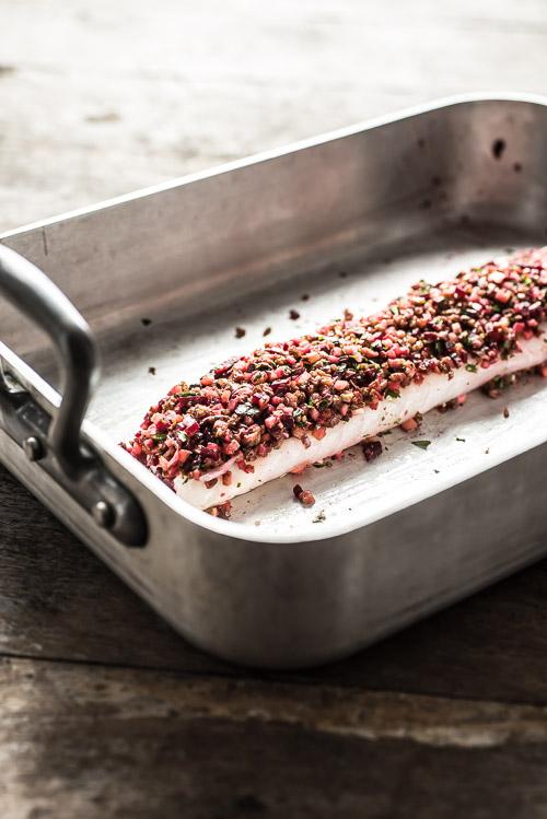 Bacon, æble, løg og gode sager giver smag til den flotte torskefilet